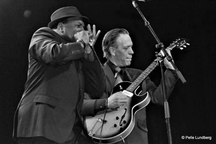 Keith-Dunn-and-Renaud-Lesire-blues-duo-keithdunn.com-b&w-photo