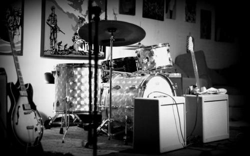 Keith-Dunn-2-harmonica-amplifiers-min